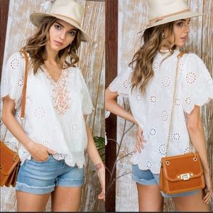 🔆BEAUTIFUL & TRENDY EMBROIDERED TOP🔆